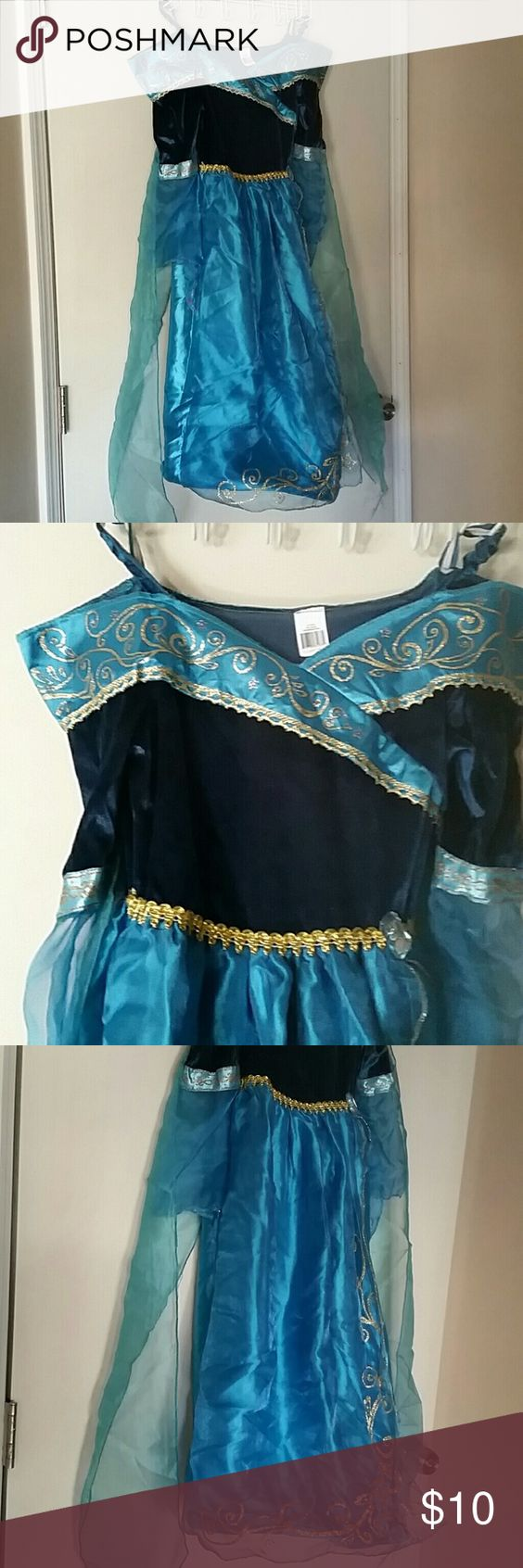 Kids costume Princess Merida classic costume with hoop skirt on the bottom. Worn once Costumes Halloween