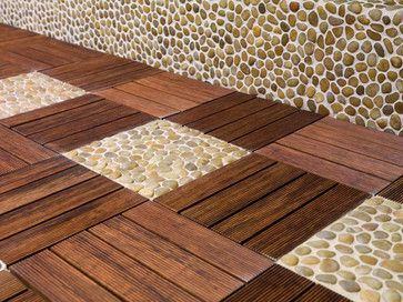 terrasse mi galets mi bois avec mur en galets http www. Black Bedroom Furniture Sets. Home Design Ideas