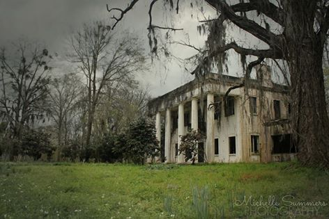 Plantation...Abandoned in Alabama (photo by Michelle Summers Photography)