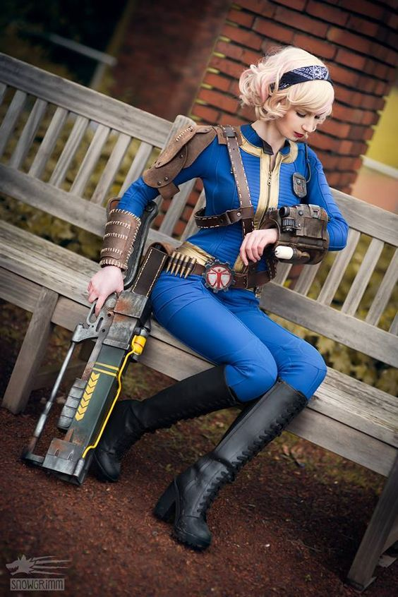 Cosplayer: Elenya Frost Photographer: Snowgrimm Weapon+ and armor: Brazen & Bold Productions Character: Sole Survivor From: Fallout 4 Country: Austria: