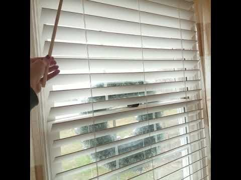 Review Of Levolor 2 1 2 Faux Wood Cordless Blinds Youtube Cordless Blinds Blinds Modern Blinds