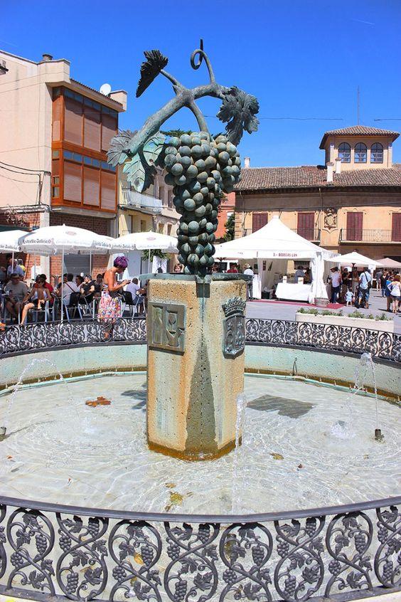 Feria de Artesanía y Vino en Fuenmayor, #LaRioja http://blogenruta.wordpress.com/2014/07/29/feria-de-artesania-y-vino-en-fuenmayor-larioja/
