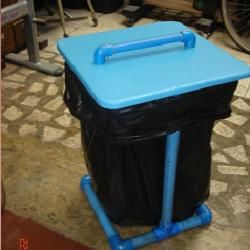 Trash Bag Holder   Put Wheels On It And Use It For Lawn And Garden Trash  While Working In Flowers, Etc.
