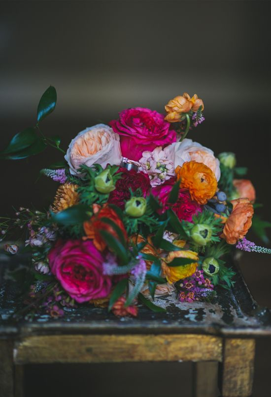 Add bright hues into a wedding #bouquet for a bold look. #weddingflowers
