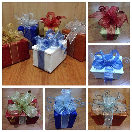 Regalos decorativos con caja de cartón, foamy y liston