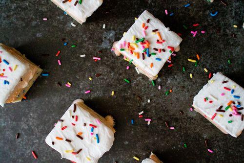 Orange Creamsicle Funfetti Cookie Dough Bars #recipe