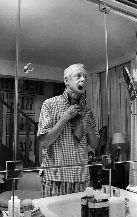 thegiftsoflife:    1967.  The Duke of Windsor, the pipe, and the covered neck.