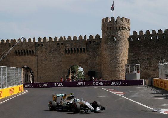 Nico Rosberg larga na pole no GP da Europa, em Baku