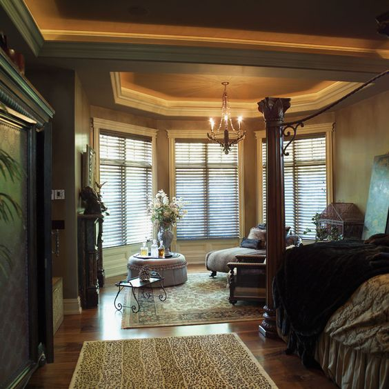 Gorgeous ceiling and a bayed window sitting area - plan 051S-0007 - houseplansandmore.com