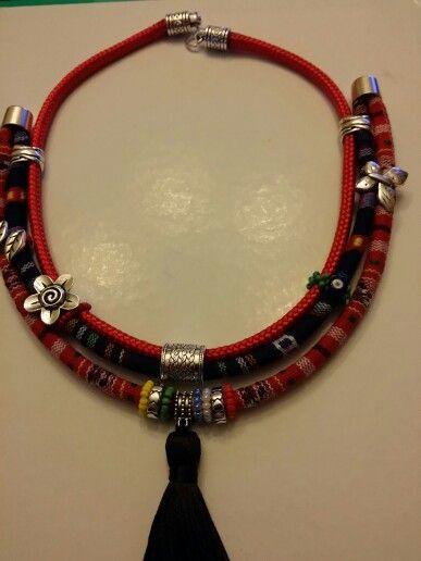 collar etnico