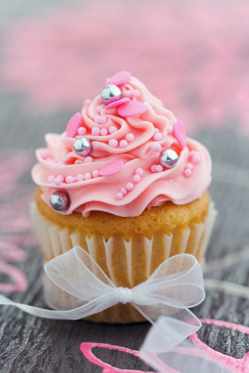 valentine cupcake cookie jar