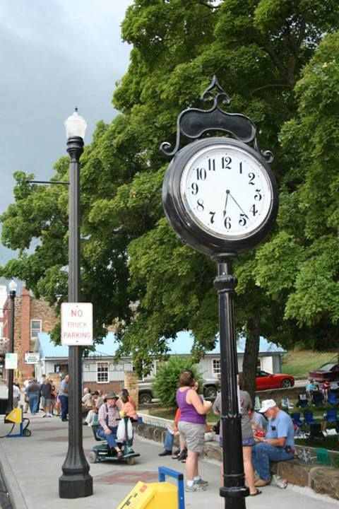 Park clock at the El Dorado Springs Picnic entrance in Southwest Missouri.   https://www.facebook.com/VisualEffectsPhotography