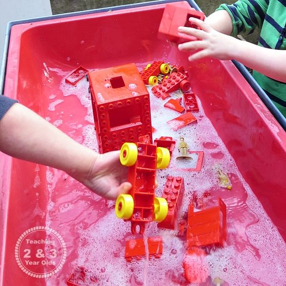Kids Water Table Activities - Teaching 2 and 3 year olds