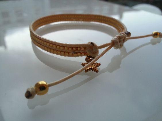 Klein lief armbandje , leuk om bijv. bij je horloge te dragen €  Ook andere kleuren mogelijk