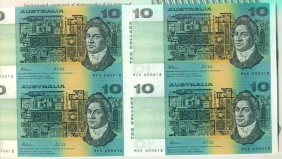 AUSTRALIA $10 TWO CONSEC FOLDER BL 4 EIGHT IDENTICAL S#