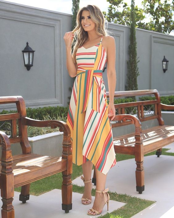 Vestido Listras Assimétricas nas Cores do Verão • Por @arianecanovas ❤ #AnaHovaStore #elasUsamAnaHovaStore #VerãoEmCores