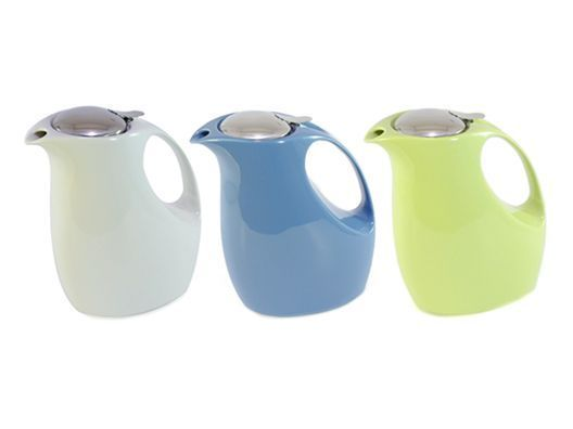 super cute 'retro' teapots. Love these!
