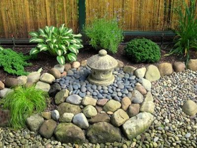 Decoración de jardines pequeños con piedra y linterna oki gata ...