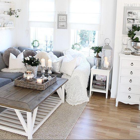 Traumhaft schönes, weiß-graues Landhaus-Wohnzimmer Photo taken by - landhaus wohnzimmer