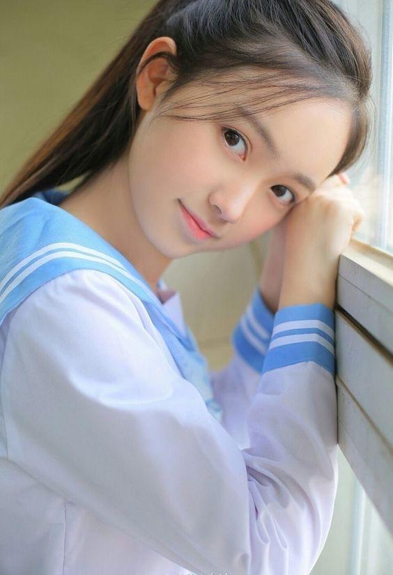 清純、美麗、漂亮、可愛》水手服制服美少女》Cute Girl Pretty Girls 》