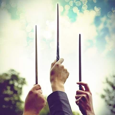 Varitas Mágicas Harry Potter Fotos De Harry Potter Arte De Harry Potter Harry Potter Fondo