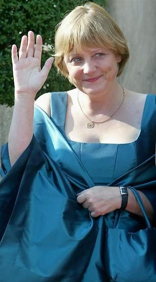 2003: Angela Merkel kennt nicht nur zweiteilige Kostüme. Zu besonderen…: