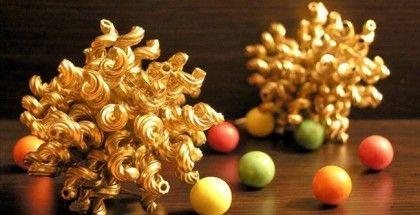 christmas-crafts-kids-tree-ornaments-balls-made-pasta