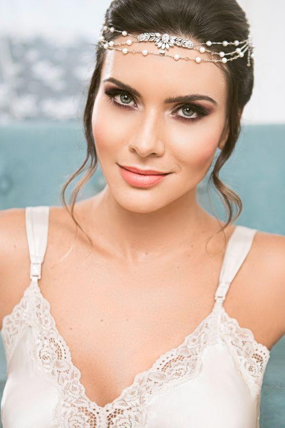 Editorial Bridal Beauty Br - Antes do Altar Foto: @Marcus Steinmeyer Makeup: @Camila Adi Hair: @Dani Ferrarezi Moda: @diegomontargil Acessórios: @carolbassijewelry Model: @Mona Santana