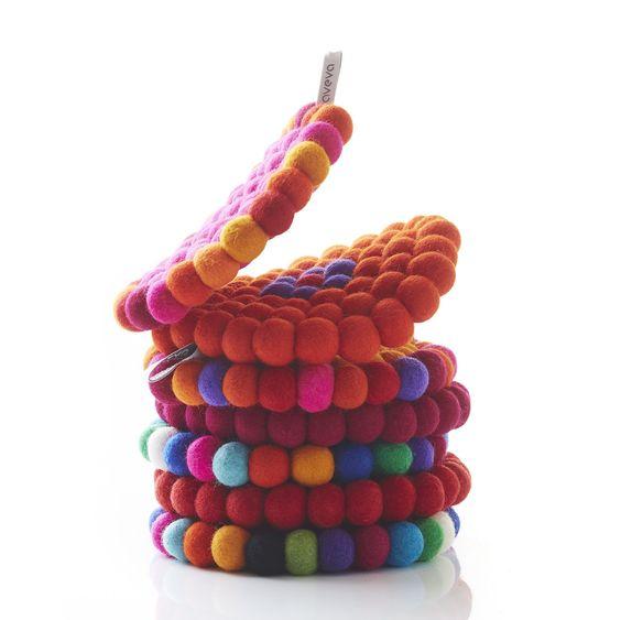 Tisch Couture von Areva aus handgefilzter Wolle