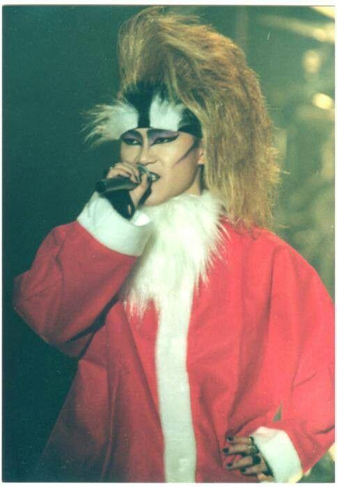サンタ服を着たtoshi