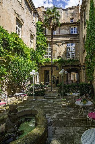 courtyard in arles