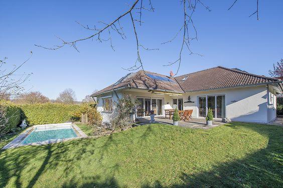 SEEFELD/FÜNF-SEEN-LAND: Großzügiges Einfamilienhaus mit idyllischem Südwest-Garten und Außenpool Details: http://www.riedel-immobilien.de/objekt/2850