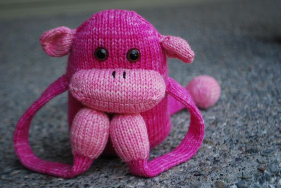 Head on over here to find out how you can win a yarn kit to knit this little cutie!   http://t.co/1dpOBPG0