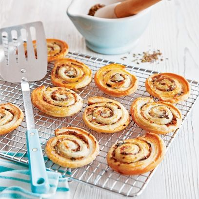 These spiced palmiers are a crispy and spiced puff pastry for Pastry canape fillings