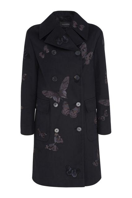 Хлопковое пальто Valentino - Двубортное пальто благородного темно-синего цвета из коллекции Valentino сделано из плотного натурального хлопка в интернет-магазине модной дизайнерской и брендовой одежды