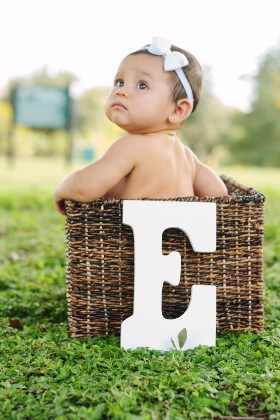 1000 ideas about 1 month pictures on pinterest fall for Cute baby christmas photo ideas