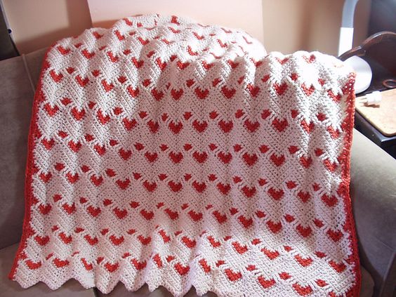 Red Hearts On White Background Pattern From Crochet World