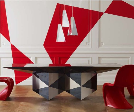 Wall painted with red geometrical pattern Emmemobili