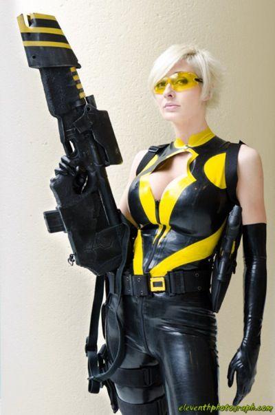 Hornet (Marie-Claude Bourbonnais) in her new Costume