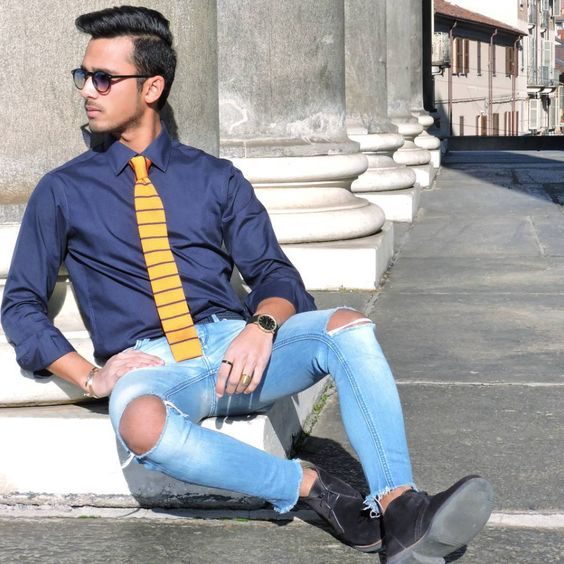 Blues and yellows for a casual streetwear look.