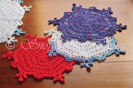 Free pattern: Redcliff Dish Cloth Snowflakes Crochet ...