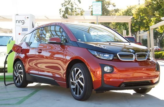 Born Electric Bmw I3 Charges At First Ever Public Charging Station