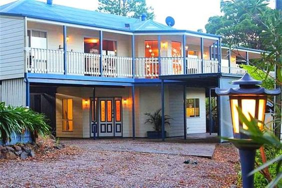 CLOUD 9 - Cliff Top Eagle Heights, a Tamborine Mountain House | Stayz