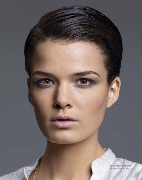 Kurze Haare Nach Hinten Stylen Frauen Kurze Haare Nach Hinten Stylen Haare Nach Hinten Haarschnitt Kurz