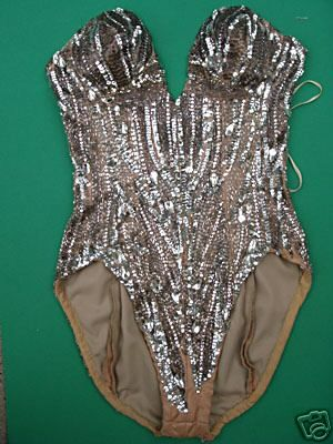 I touched this type of very traditional showgirl costume in a vintage store in Las Vegas. I felt like I wanted to travel back in time to see what that costume has seen! :D