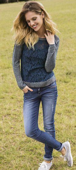 Conforto é a palavra da estação! Para curtir o melhor do outono, é indispensável apostar em peças de roupas que te farão se sentir livre, leve, solta e, ainda assim, cheia de estilo. Entre as melhores opções, aparece o jeans moletom superconfortável, os tricôs delicados combinados com renda e as lindas jaque