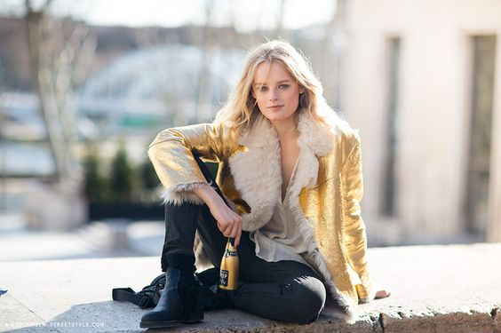 coming up golden. HGO #offduty in Paris. #HanneGabyOdiele
