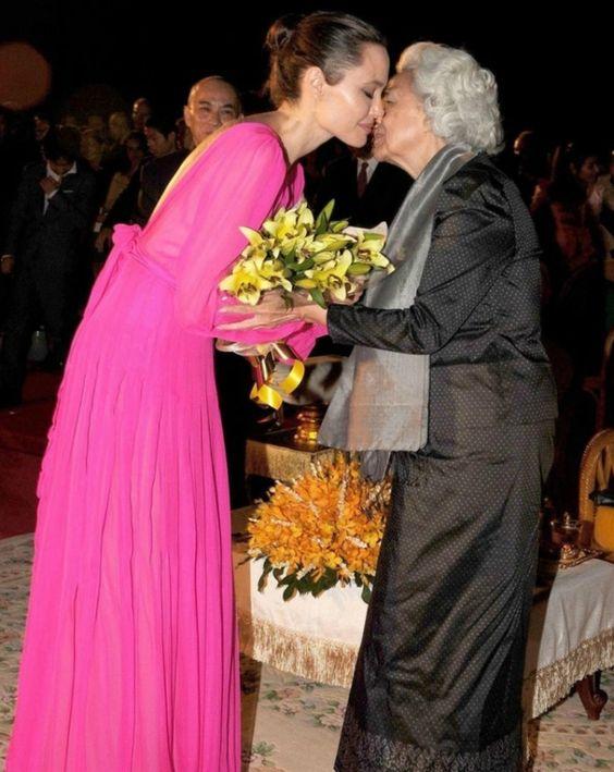 robe fuchsia longue Jolie
