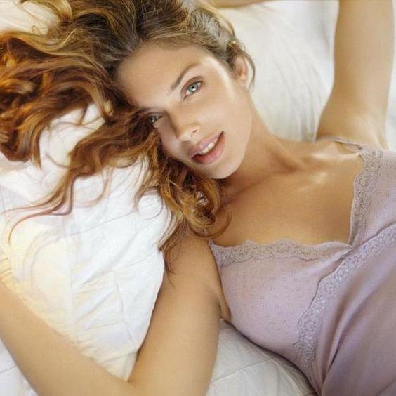 Descubra como a mulher de cada signo é na cama   eHow Brasil