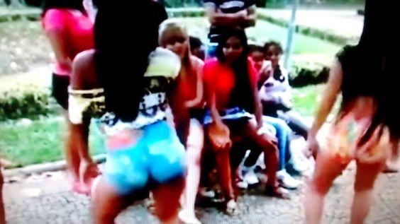 Meninas novinhas dançando